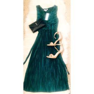 BB Dakota Winter Green Dress
